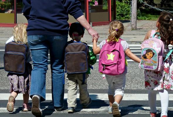 Hur påverkar skolväskan ditt barns rygg?